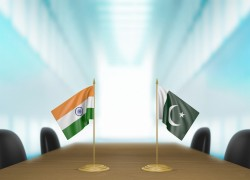 INDIA, PAKISTAN EXCHANGE LISTS OF N-INSTALLATIONS, CIVILIAN PRISONERS