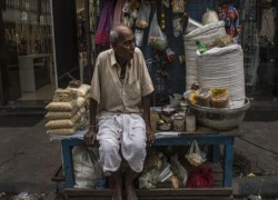 India faces dead end in reviving economic growth