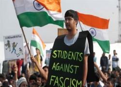 ভারতের গণতন্ত্রের হাতে হয়তো বেশি সময় নেই