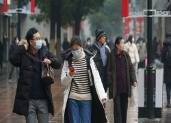 Wuhan's virus lockdown casts economic cloud over China's Chicago
