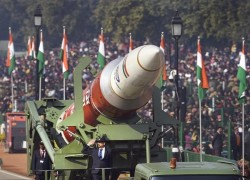 Republic Day parade underlines India's shift from Russian to US weaponry