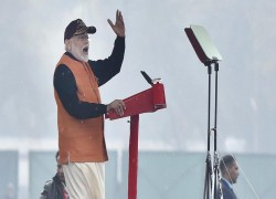MODI CLAIMS INDIA CAN DEFEAT PAKISTAN 'IN 10 DAYS'