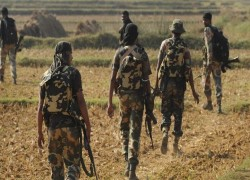 2 CRPF commandos killed, 6 hurt in encounter with Naxals