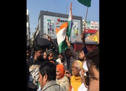 SHAHEEN BAGH PROTESTERS MARCHING TOWARDS AMIT SHAH'S RESIDENCE STOPPED BY POLICE