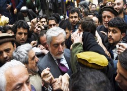 Split in Afghan gov't helps the Taliban in forthcoming peace talks