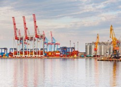 Sri Lanka unveils new port plan at Colombo