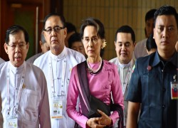 Suu Kyi's party picks preelection fight with Myanmar military