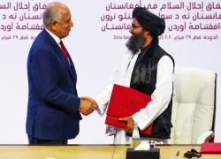 Wild week after deal leaves Afghans' fate unclear