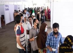 Coronavirus: In dense Bangladesh, social distancing a tough task