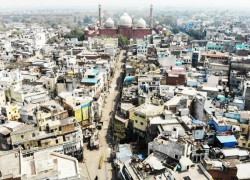 Experts fear India will be next COVID-19 hotspot