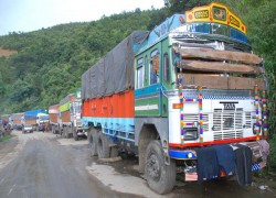 Assam's neighbours worried by stamping of truckers