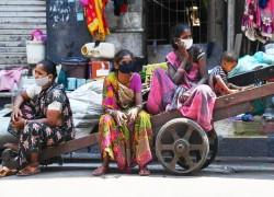 Modi seeks 'forgiveness' from India's poor over COVID-19 lockdown