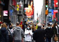 NEW YORK GOVERNOR EXTENDS CORONAVIRUS SHUTDOWN TILL APRIL 29 AS DEATH TOLL RISES TO 4,758