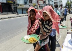 ভবিষ্যত ভয়াবহ: ভারতে করোনাভাইরাস লকডাউনে সবচেয়ে ক্ষতিগ্রস্ত হচ্ছে গরিবরা