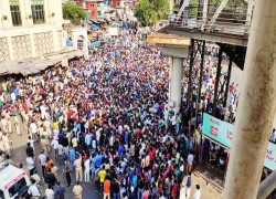 India's lockdown extension sparks migrant worker protests