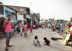 Mumbai's slums threaten to become a Covid-19 breeding ground