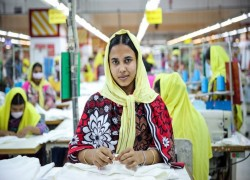 Bangladesh garment workers return to work amid lockdown