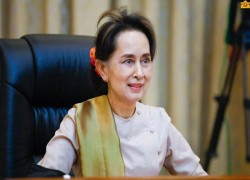Myanmar State Counsellor says volunteers needed to help with coronavirus plan