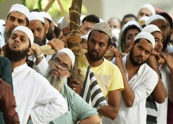 93% Muslims view Hindus favourably, but only 65% Hindus view Muslims positively