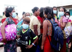 Thousands in western Myanmar flee as army plans clearance operations