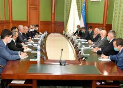 KHALILZAD TALKS AFGHAN PEACE WITH CENTRAL ASIAN MINISTERS