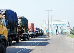 Bangladesh blocks Indian imports as WB govt yet to issue SOP for Bangladeshi imports