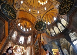 Russian church slams Hagia Sophia plan, Turkey cites sovereignty