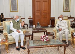 PM MODI MEETS PRESIDENT KOVIND, BRIEFS HIM ON 'ISSUES OF NATIONAL, INTERNATIONAL IMPORTANCE'
