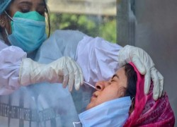 INDIA'S POSITIVITY RATE JUMPS, 10 OUT OF EVERY 100 PEOPLE TESTED IS INFECTED WITH COVID-19