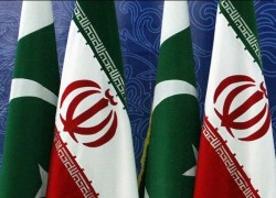 IRAN REJECTS ANY EFFORT TO DESTABILISE PAKISTAN, SAYS ENVOY