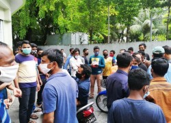 Expats protest near Bangladeshi High Commission in Maldives