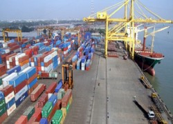 INDIAN SHIP WITH TRANSHIPMENT GOODS ARRIVES AT CHATTORAM PORT