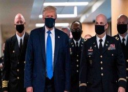 TRUMP TWEETS  PHOTO OF HIMSELF WITH MASK: