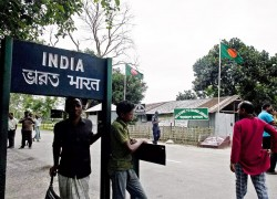 WB govt refuses to allow Indian citizens to return from Bangladesh