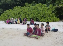 26 ROHINGYA FEARED DROWNED FOUND ON ISLET, SAYS MALAYSIA