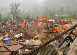 DEATH TOLL IN KERALA PLANE CRASH RISES TO 18; DGCA, AAIB, AIR INDIA TOP OFFICIALS REACH KOZHIKODE FOR PROBE