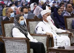 Afghan peace talks near after prisoner release agreed