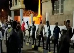 বেঙ্গালুরুতে মন্দির রক্ষায় মুসলিম যুবকরা