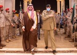 Pakistani army chief visits Saudi Arabia to revive ties strained over Kashmir