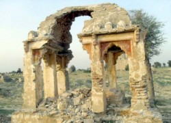 ROYAL GRAVEYARD AT RISK OF BEING WASHED AWAY