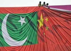 China, Pakistan agree to push on with rail and power projects