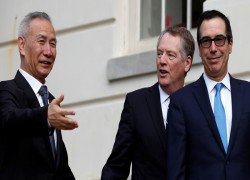 US and China reaffirm commitment to Phase 1 trade deal after call