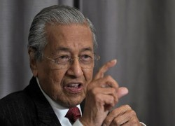 Can Malaysia's Muhyiddin see out the year as PM, with Mahathir and Umno circling?