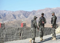 Pakistan, Afghanistan officials hold talks on security, bilateral ties