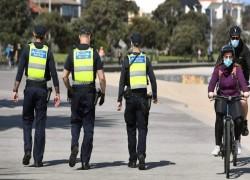 Melbourne, facing third coronavirus wave, extends lockdown