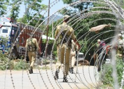 MAJOR, 2 SOLDIERS INJURED IN PAKISTANI SHELLING