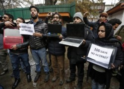 Dodging India's media curbs in Kashmir