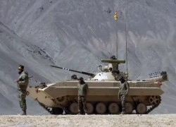 India deploys heavyweight tanks, armoured vehicles in eastern Ladakh