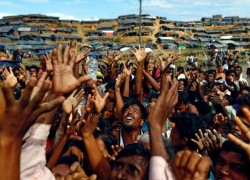'নিরাপদ জোনের' পরিকল্পনা: রোহিঙ্গাদের বাস্তবতা মেনে নিচ্ছে বাংলাদেশ