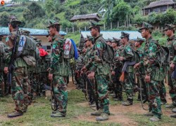 Ta'ang rebels shell Myanmar's troops in northern Shan State
